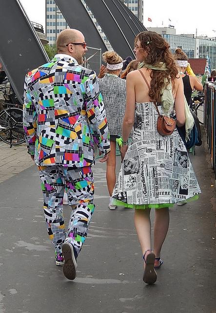 Vestidos Para Hombre Con Papel Periodico
