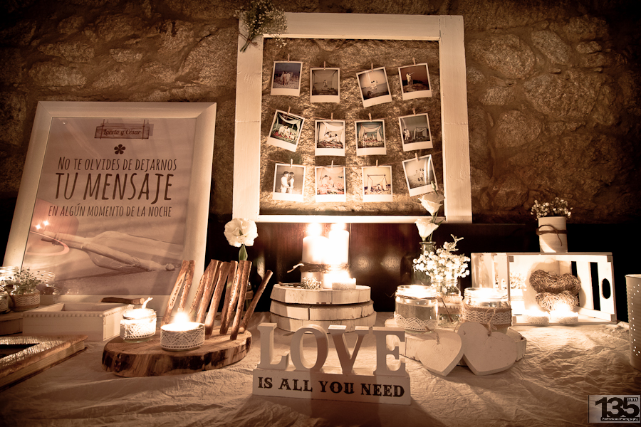Regalo bodas de oro regalo bodas de plata el peri dico - Mesas de libro para salon ...
