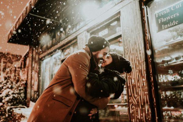 un beso inesperado te da la felicidad