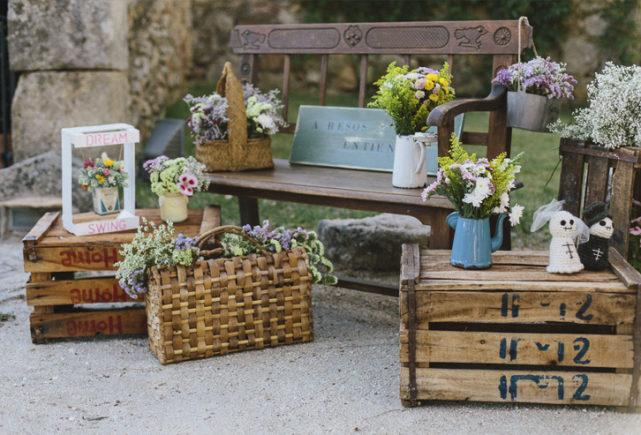decoración de flores en el columpio